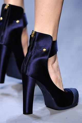 image of fendi black heel fall 2010