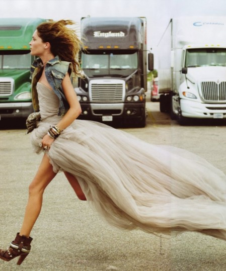 image of Erin Wasson running