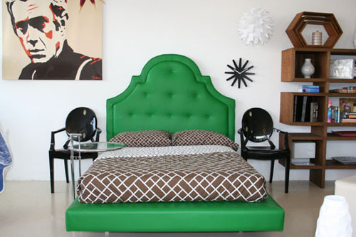image of Retro Curved Upholstered bedframe