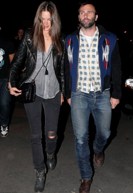 Alessandra Ambrosio wearing Level 99 Lily Skinny Jean