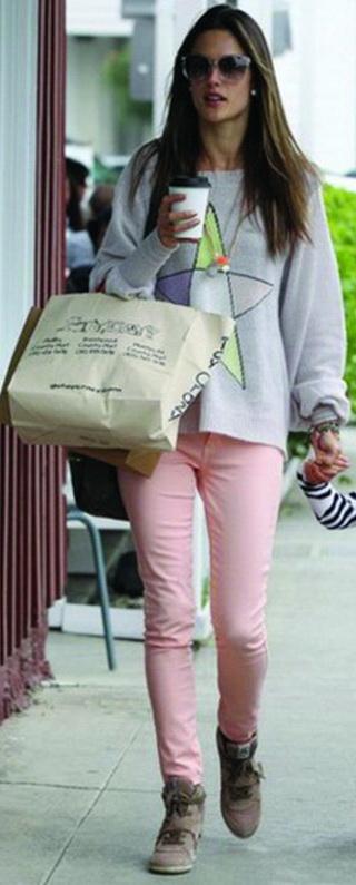 Alessandra Ambrosio wearing Siwy Denim Hannah Slim Crop Jean in Taffy
