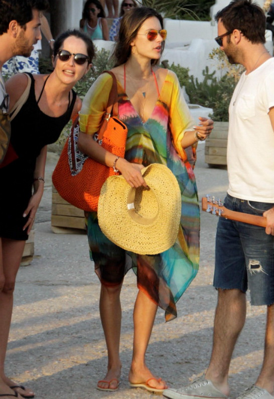 Alessandra Ambrosio in Ray-Ban