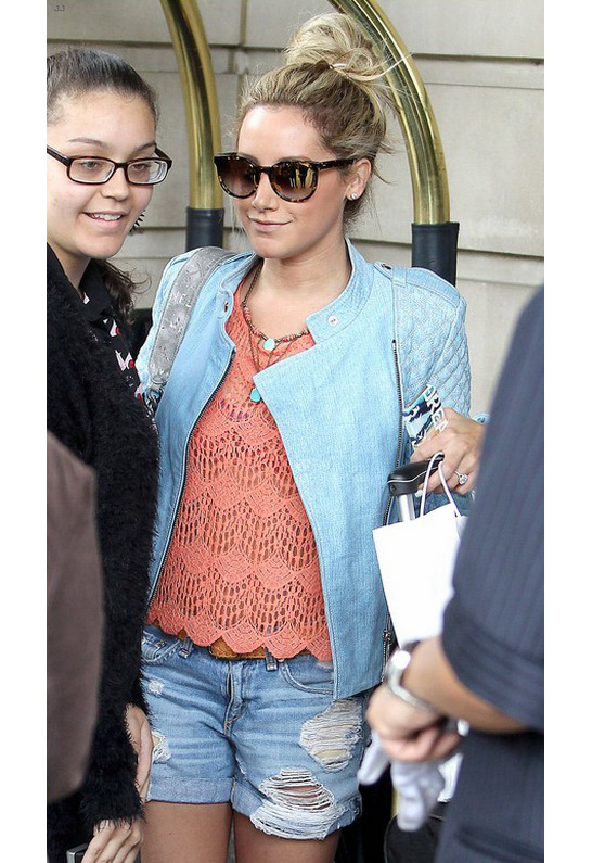 Ashley Tisdale in Rag & Bone/JEAN