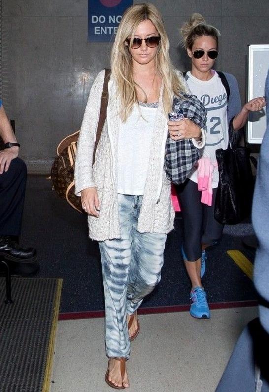 Ashley Tisdale wearing Sam Edelman Gigi Sandal