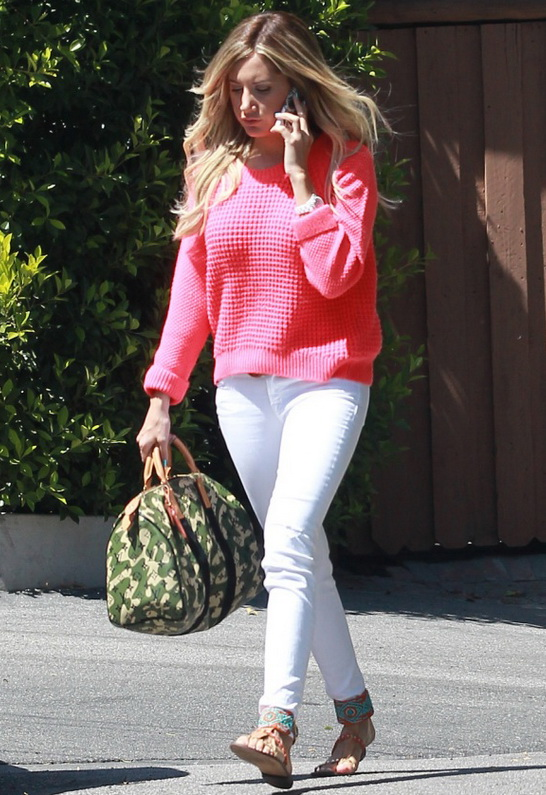 Ashley Tisdale wearing J Brand Blanc Destruct 811 Mid Rise Skinny Jean