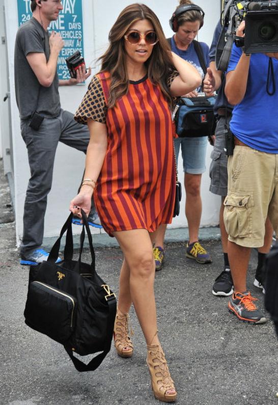 Kourtney Kardashian wearing Quay Eyewear 1521 Sunglasses in Gold