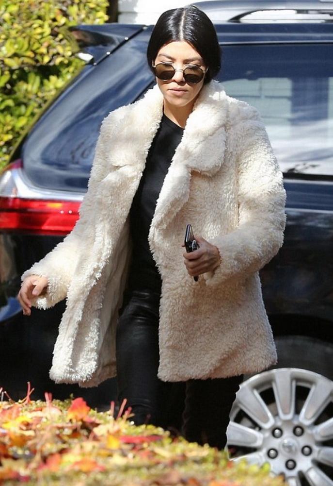 Kourtney Kardashian in Tularosa