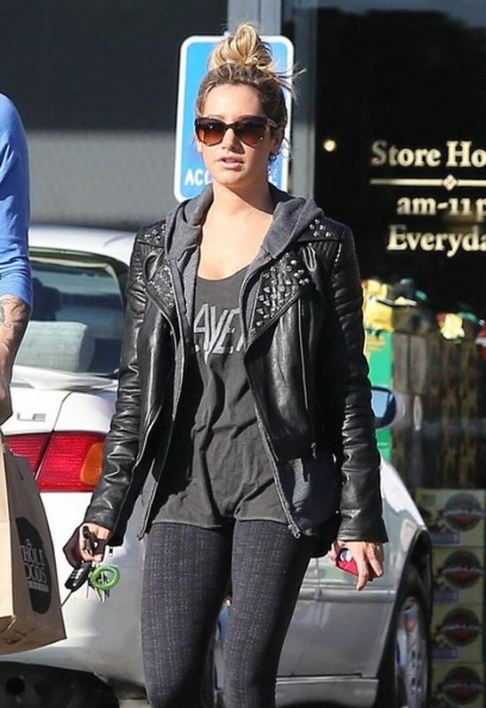 Ashley Tisdale in Motel Rocks