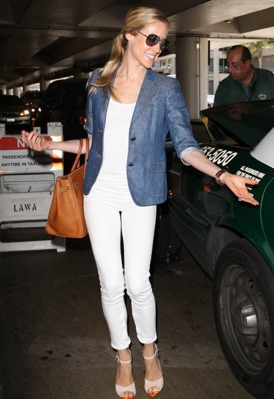Kristin Cavallari wearing Rag Bone/JEAN The Zipper Capri in Bright White